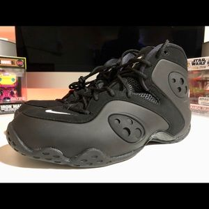 "Nike Zoom Rookie Retro ""Triple Black"""